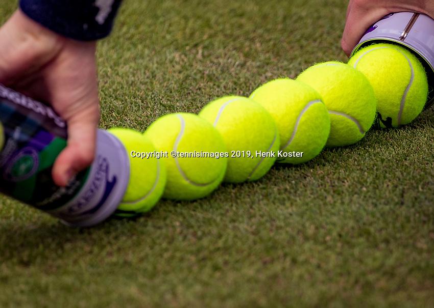 London, England, 8 July, 2019, Tennis,  Wimbledon, New Ball's<br /> Photo: Henk Koster/tennisimages.com