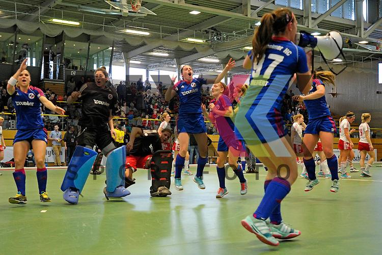 GER - Luebeck, Germany, February 06: After the 1. Bundesliga Damen indoor hockey semi final match at the Final 4 between Rot-Weiss Koeln (white) and Mannheimer HC (blue) on February 6, 2016 at Hansehalle Luebeck in Luebeck, Germany. Final score 1-2 (HT 0-2).  <br /> <br /> Foto &copy; PIX-Sportfotos *** Foto ist honorarpflichtig! *** Auf Anfrage in hoeherer Qualitaet/Aufloesung. Belegexemplar erbeten. Veroeffentlichung ausschliesslich fuer journalistisch-publizistische Zwecke. For editorial use only.