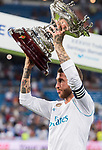 Sergio Ramos of Real Madrid holds the trophy after the Santiago Bernabeu Trophy 2017 match between Real Madrid and ACF Fiorentina at the Santiago Bernabeu Stadium on 23 August 2017 in Madrid, Spain. Photo by Diego Gonzalez / Power Sport Images