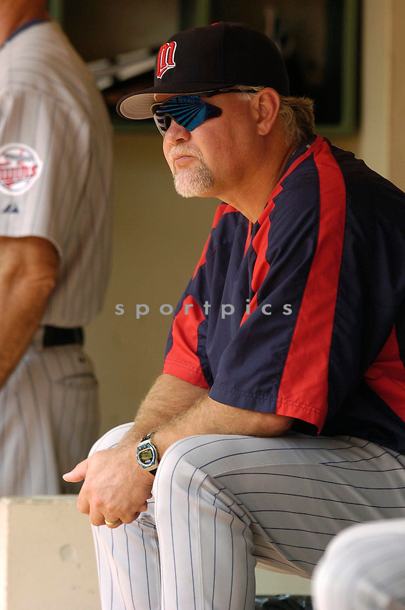 Ron Gardenhire of the Minnesota Twins in action against the Milwaukee Brewers. ....Twins won 5-2.....Chris Bernacchi  / SportPics..