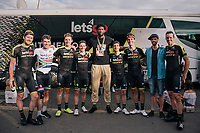 Team Mitchelton-Scott was joined by NBA star Joel Embiid for their last stage into Paris<br /> <br /> Stage 21: Houilles > Paris / Champs-Élysées (115km)<br /> <br /> 105th Tour de France 2018<br /> ©kramon