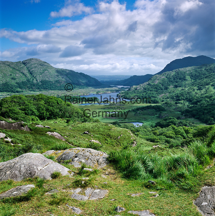 Ireland, County Kerry, near Killarney, Killarney National Park: Ladies' View, looking down to the Upper Lake  Irland, County Kerry, bei Killarney, Killarney National Park: Ladies' View mit Blick ueber den Upper Lake