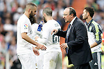 Real Madrid's coach Rafa Benitez with Karim Benzema during La Liga match. September 26,2015. (ALTERPHOTOS/Acero)