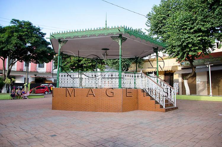 Coreto da Praça Coronel Joaquim André de Oliveira Castro, no centro da cidade Pirapora do Bom Jesus - SP, 04/2014. cidade situada na margem do Rio Tietê poluido - área metropolitana de São Paulo.