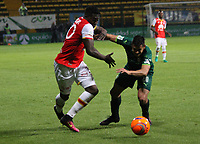 BOGOTA -COLOMBIA, 10-05-2017. Jose Adolfo Valencia player of Independiente Santa Fe fights the ball   agaisnt of Jhon Cano player of La Equidad.Action game between Equidad and Independiente Santa Fe  during match for the date 17 of the Aguila League I 2017 played at Metropolitano de Techo  stadium . Photo:VizzorImage / Felipe Caicedo  / Staff