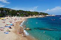 Spain, Catalonia, Costa Brava, Beach at Platja d'Aro (Playa de Aro) | Spanien, Katalonien, Costa Brava, Platja d'Aro (Playa de Aro): Strand