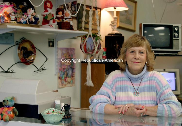 WATERBURY, CT-- 5 January 2005   010505DA01.JPG --Mare's Re-Runs . (owner) MaryAnn Cooney. For Marketplace.Staff photo. Darlene Douty.