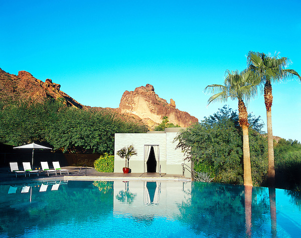 PARADISE VALLEY, ARIZONA : The main pool at the Sanctuary Camelback Mountain Spa and Resort.The Sanctuary Camelback Mountain is a legendary boutique resort located high on the north slope of Camelback Mountain in Paradise Valley, Arizona.
