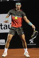RIO DE JANEIRO, RJ, 21.02.2014 - O espanhol Rafael Nadal em lance contra o português João Souza durante partida das quartas de final na quadra central do Jockey Club nesta sexta-feira. (Foto: Néstor J. Beremblum / Brazil Photo Press).