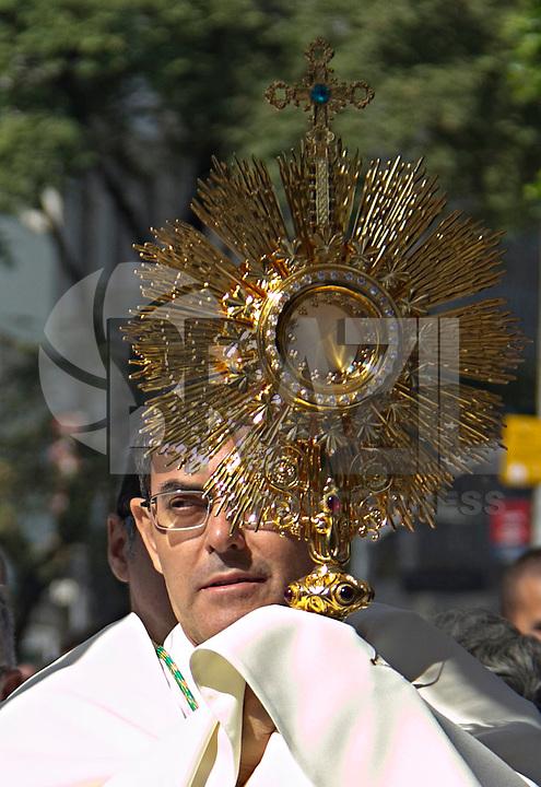 SÃO PAULO,SP, 26.05.2016 - CORPUS-CHRISTI - Missa de Corpus Christi celebrada por Dom Odilo, na Praça da Sé, em São Paulo (SP), nesta quinta-feira (26).(Foto: Adailton Damasceno/Brazil Photo Press)