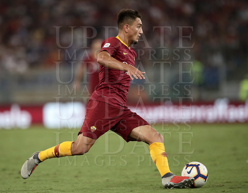 Calcio, Serie A: Roma - Atalanta, Stadio Olimpico, 27 agosto, 2018.<br /> Atalanta's Cengiz Under in action with during the Italian Serie A football match between Roma and Atalanta at Roma's Stadio Olimpico, August 27, 2018.<br /> UPDATE IMAGES PRESS/Isabella Bonotto