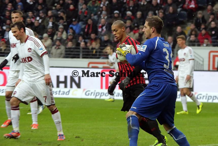 Kevin Trapp (Eintracht) haelt