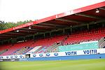 22.05.2020, Voith-Arena, Heidenheim, GER, 2.FBL, 1.FC Heidenheim vs Wehen-Wiesbaden 22.05.2020 , <br />Nur für journalistische Zwecke!<br /><br />Gemäß den Vorgaben der DFL Deutsche Fußball Liga ist es untersagt, in dem Stadion und/oder vom Spiel angefertigte Fotoaufnahmen in Form von Sequenzbildern und/oder videoähnlichen Fotostrecken zu verwerten bzw. verwerten zu lassen. <br /><br />Only for editorial use! <br /><br />DFL regulations prohibit any use of photographs as image sequences and/or quasi-video..<br />im Bild<br />Die leeren Tribünen in der Voith-Arena <br /> Foto: Rodzinski/Wehen-Wiesbaden / via Bratic / nordphoto