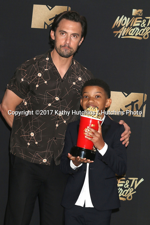 LOS ANGELES - MAY 7:  Milo Ventimiglia, Lonnie Chavis at the MTV Movie and Television Awards on the Shrine Auditorium on May 7, 2017 in Los Angeles, CA
