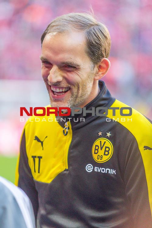 04.10.2015, Allianz Arena, Muenchen, GER, 1.FBL,  FC Bayern Muenchen vs. Borussia Dortmund, im Bild Thomas Tuchel (Trainer BVB) lacht<br /> <br /> Foto &copy; nordphoto / Straubmeier