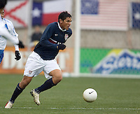 Brian Ching dribble upfield at Pizza Hut Park in Frisco, Texas, Sunday, Feb. 19, 2005.  USA won 4-0.