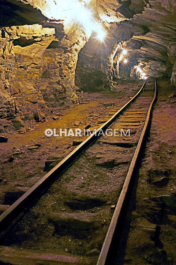 Mina de ouro desativada em Ouro Preto. Minas Gerais. 2001. Foto de Renata Mello.