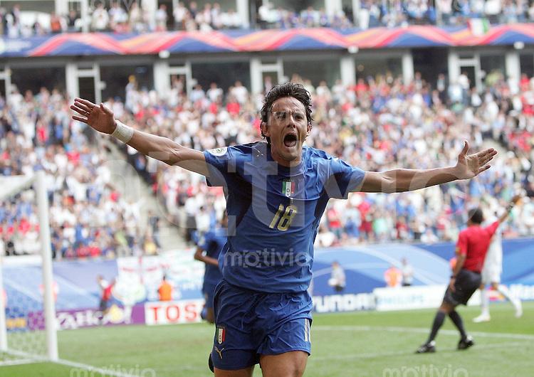 Fussball WM 2006  Gruppenspiel  Vorrunde Gruppe E  Tschechien - Italien , Czech Republik - Italy  Filippo INZAGHI (ITA) jubelt ueber das 2:0