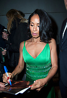 November 20 2017, PARIS FRANCE<br /> the Premiere of the film Girls Trip at the<br /> cinema UGC Bercy in the presence of the<br /> Actress Jada Pinket Smith. She signs autographs for her fans. # JADA PINKET SMITH ARRIVE POUR LA PREMIERE DE 'GIRLS TRIP'