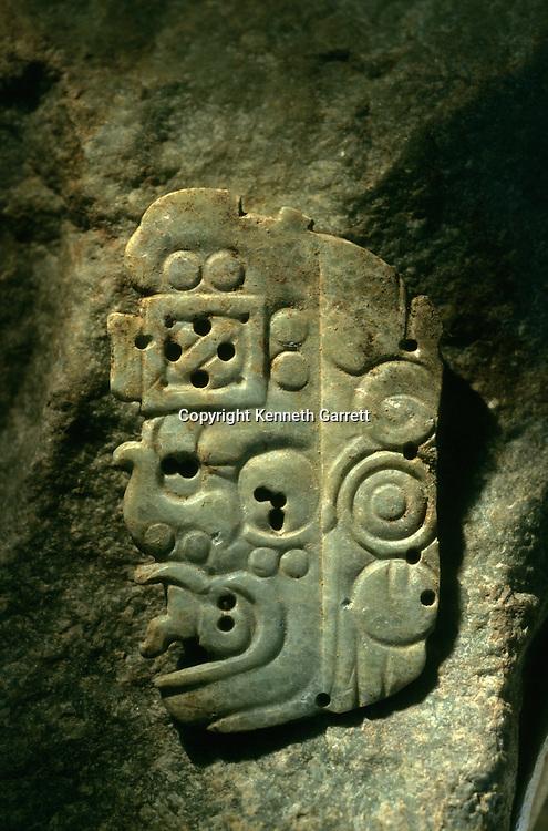 Artifact, jade, Cancuen, Guatemala, Arthur Demarest, Tomas Barrientos, Maya, palace, Classic Period, Peten, offering.