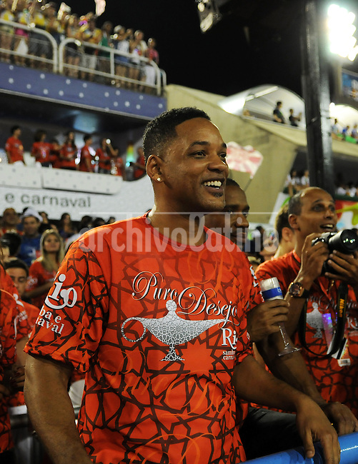 American actor Will Smith enjoys the samba parades at the sambadrome, Rio de Janeiro, Brazil, February 9, 2013. (Austral Foto/Renzo Gostoli)