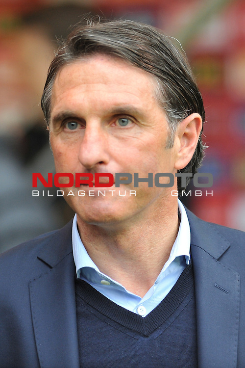 03.05.2015, cofacearena, Mainz, GER, FSV Mainz 05 vs. Hamburger SV, im Bild: Bruno Labbadia (Trainer, Hamburger SV)<br /> <br /> Foto &copy; nordphoto / Fabisch
