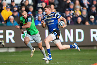 Ruaridh McConnochie of Bath Rugby goes on the attack. Gallagher Premiership match, between Bath Rugby and Harlequins on March 2, 2019 at the Recreation Ground in Bath, England. Photo by: Patrick Khachfe / Onside Images