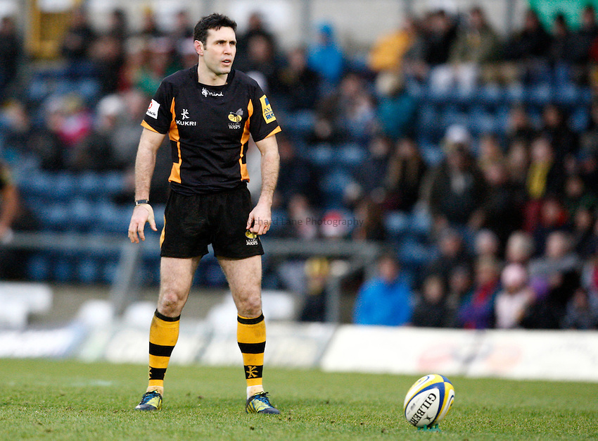 Photo: Richard Lane/Richard Lane Photography. London Wasps v Sale Sharks. 23/12/2012. Wasps' Stephen Jones kicks.