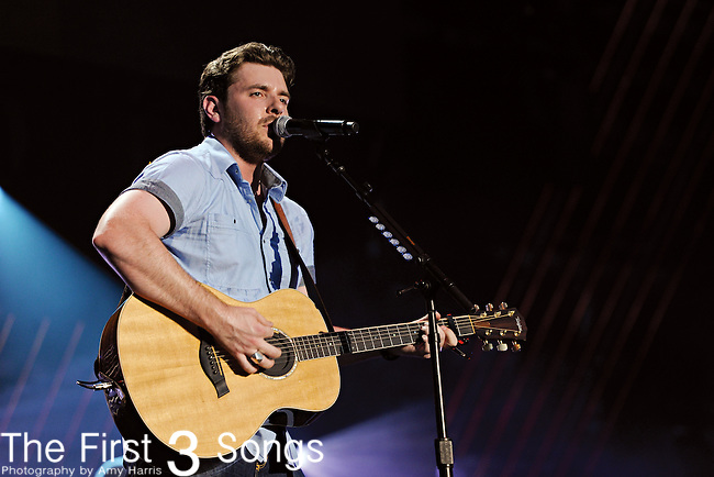 Chris Young performs at LP Field during the 2011 CMA Music Festival on June 11, 2011 in Nashville, Tennessee.