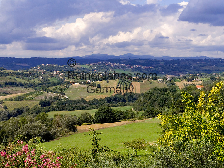 Italien, Latium, Berardelli bei Magliano Sabina: Landschaft in der Region Sabina | Italy, Lazio, Berardelli near Magliano Sabina: landscape at Sabina region