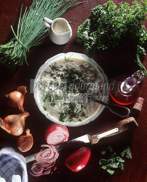 Europe/France/Rhône-Alpes/69/Rhone/Lyon: Cuisine des Bouchons- Gastronomie Lyonnaise - Cervelle de Canut Fromage Blanc et herbes