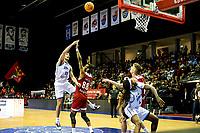 GRONINGEN - Basketbal, Donar - Benfica, voorronde Chamions League, seizoen 2019-2020, 20-09-2019, schotpoging Donar speler Matt McCarthy