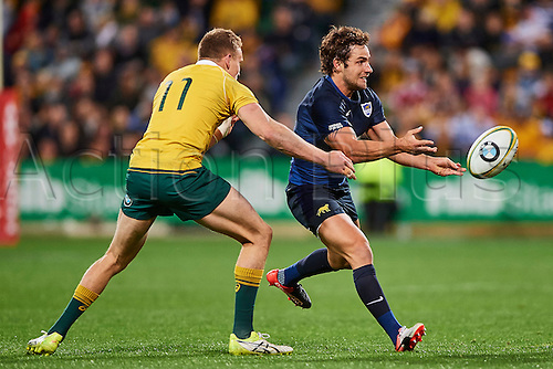 17.09.2016. Perth, Australia.  Nicolás Sánchez of the The Pumas (Argentina) passes the ball during the Rugby Championship test match between the Australian Qantas Wallabies and Argentina's Los Pumas from NIB Stadium - Saturday 17th September 2016 in Perth, Australia.