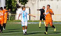 SAN ANDRES – COLOMBIA, 08-03-2020: Ezequiel Gelves del Llaneros F.C. celebra después de anotar el primer gol de su equipo durante partido por la fecha 6 del Torneo BetPlay DIMAYOR I 2020 entre Real San Andrés y Llaneros F.C. jugado en el estadio Erwin O'Neil de la ciudad de San Andrés. / Ezequiel Gelves of Llaneros F.C. celebrates after scoring the first goal of his team during match for the for the date 6 as part of BetPlay DIMAYOR Tournament I 2020 between Real San Andres and Llaneros F.C. played at Erwin O'Neil stadium in San Andres city. Photos: VizzorImage / Guillermo Dickens / Cont