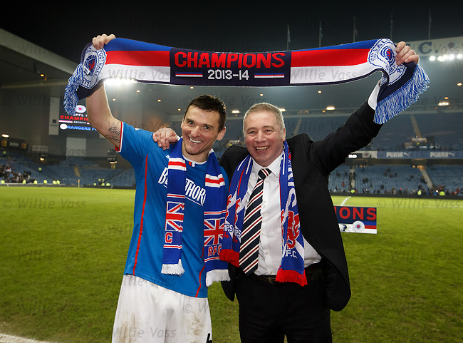 Lee McCulloch and Ally McCoist celebrate sealing the league title after the match