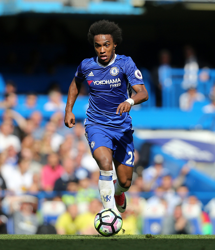 Chelsea's Willian<br /> <br /> Photographer Rob Newell/CameraSport<br /> <br /> The Premier League - Chelsea v Sunderland - Sunday 21st May 2017 - Stamford Bridge - London<br /> <br /> World Copyright &copy; 2017 CameraSport. All rights reserved. 43 Linden Ave. Countesthorpe. Leicester. England. LE8 5PG - Tel: +44 (0) 116 277 4147 - admin@camerasport.com - www.camerasport.com