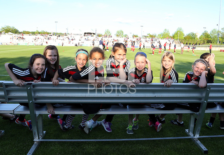 Boyds, MD - Saturday May 07, 2016: Young fans down on the field for warm ups before a regular season National Women's Soccer League (NWSL) match at Maureen Hendricks Field, Maryland SoccerPlex. Washington Spirit tied the Portland Thorns 0-0.
