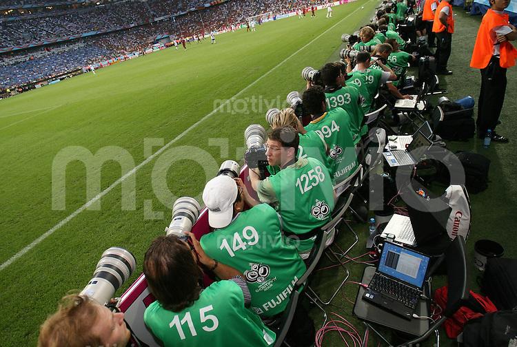 Fussball WM 2006  Halbfinale   Portugal 0-1 Frankreich Canon Fotografen