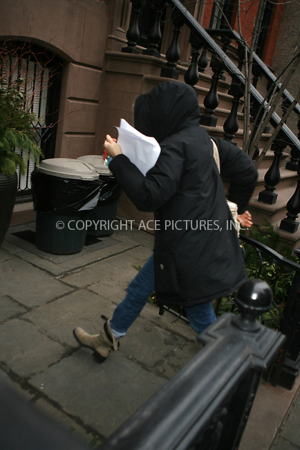 WWW.ACEPIXS.COM ** ** ** ....***EXCLUSIVE*** ALL ROUNDER....January 22nd, 2007, New York City. ....Sarah Jessica Parker pays a visit to Kate Winslet and Sam Mendes' Building in Chelsea, then exits with Tim Robbins (not pictured). She then gets back in her car and headed home to the West Village.......Please byline: Philip Vaughan -- ACEPIXS.COM.. *** ***  ..Ace Pictures, Inc:  ..Philip Vaughan (212) 243-8787 or (646) 769 0430..e-mail: info@acepixs.com..web: http://www.acepixs.com
