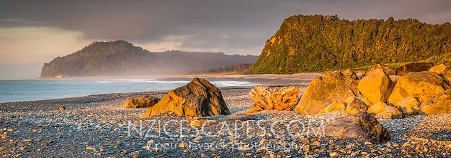 Sunset on Three Mile Beach, Westland Tai Poutini National Park, West Coast, UNESCO World Heritage Area, South Island, New Zealand, NZ