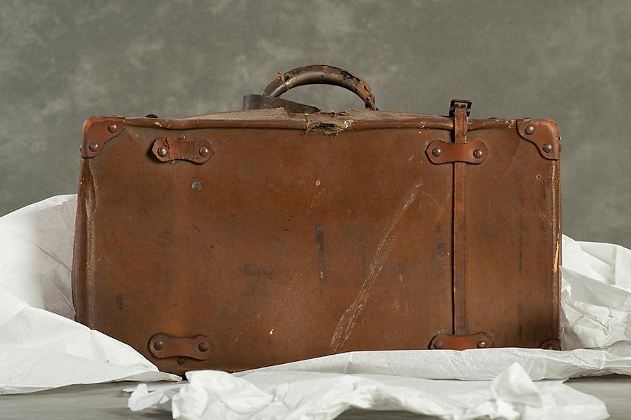 Willard Suitcases / Issac W / ©2014 Jon Crispin
