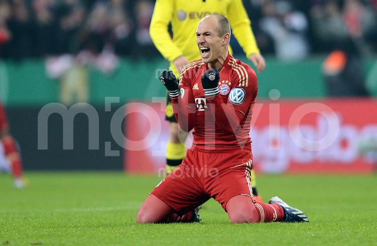 FUSSBALL  DFB-POKAL  VIERTELFINALE  SAISON 2012/2013    FC Bayern Muenchen - Borussia Dortmund          27.02.2013 Arjen Robben (FC Bayern Muenchen) jubelt nach dem Abpfiff