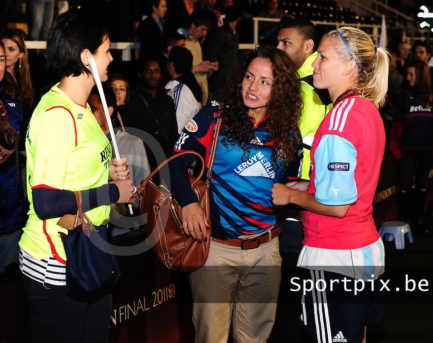 Uefa Women 's Champions League Final 2011 at Craven Cottage Fulham - London : Olympique Lyon - Turbine Potsdam : vreugde bij Lyon na de CL - winst met Lara Dickenmann en vriendinnen.foto DAVID CATRY / JOKE VUYLSTEKE / Vrouwenteam.be.
