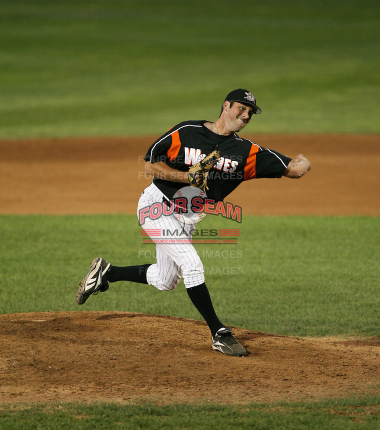 Arkon Aeros vs Erie Seawolves.June 30th 2007 at Erie.Photo By:  Mike Janes