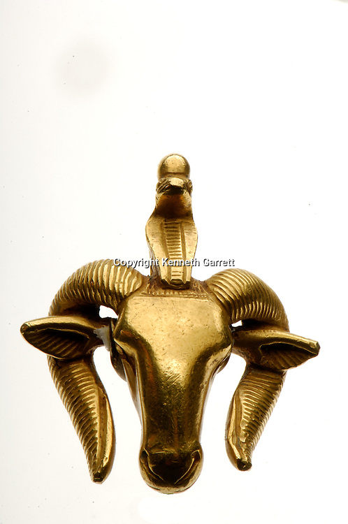 Metropolitan Museum, New York, Nubian Pharaohs,Gold Ram, Faience Ram, Menat of Taharka, Protome of Lion and Nubian, Bronze Statuette of Kushite Pharaoh, 25th dyn, mm7454, Egypt, Black Pharaohs, Nubian