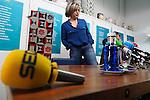 Fecha: 11-02-2015. Lugo.-  JUEZA SAN JOSÉ.- En la Galeria Sargadelos de Lugo.  La jueza Estela San José, que abandonará Lugo al ganar una plaza en Huelva, es la protagonista hoy de los almuerzos on/off del Colexio Profesional de Xornalistas de Galicia