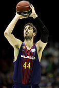 7th January 2018, San Pablo Sports Municipal Palace, Seville, Spain; Endesa League Basketball, Real Betis Energia Plus versus FC Barcelona Lassa; Tomic from Barcelona Lassa with a free throw