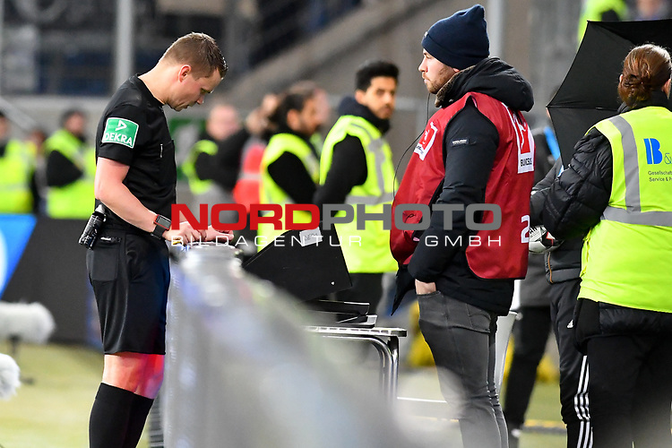 01.12.2018, wirsol Rhein-Neckar-Arena, Sinsheim, GER, 1 FBL, TSG 1899 Hoffenheim vs FC Schalke 04, <br /> <br /> DFL REGULATIONS PROHIBIT ANY USE OF PHOTOGRAPHS AS IMAGE SEQUENCES AND/OR QUASI-VIDEO.<br /> <br /> im Bild: Schiedsrichter Dr. Robert Kampka bemueht den Videobeweis, Monitor<br /> <br /> Foto © nordphoto / Fabisch
