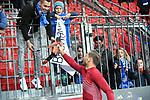 03.11.2018, BayArena, Leverkusen, GER, 1. FBL,  Bayer 04 Leverkusen vs. TSV 1899 Hoffenheim,<br />  <br /> DFL regulations prohibit any use of photographs as image sequences and/or quasi-video<br /> <br /> im Bild / picture shows: <br /> Oliver Baumann Torwart (Hoffenheim #1), verteilt seine Handschuhe und Trikot an die Fans.. und klatscht alle ab. . <br /> Foto &copy; nordphoto / Meuter