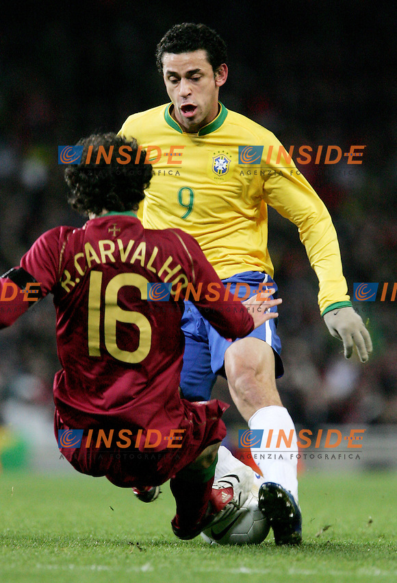 Brazil's Frederic Chaves Fred against Portugal's Ricardo Carvalho during a friendly match at Emirates Stadium in London, Tuesday February 06, 2007. (INSIDE/ALTERPHOTOS/Alvaro Hernandez).